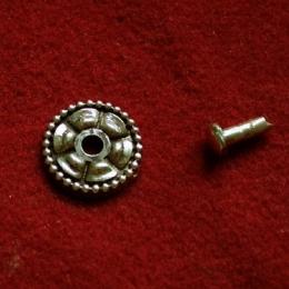 Cast rosette with rivet  tn15