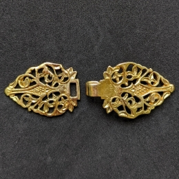 Early post-medieval hooked-clasp, England eb22
