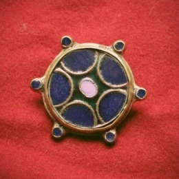 Saxon disc brooch RA26